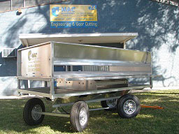 deluxe-trailer-potting-station-2.jpg